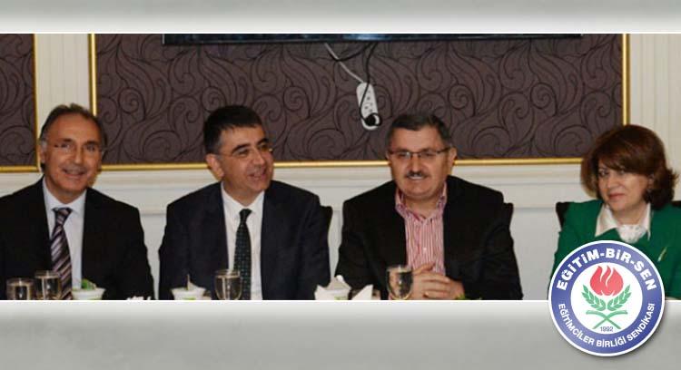 Gündoğdu, Azeri Akademisyenlerle Bir Araya Geldi