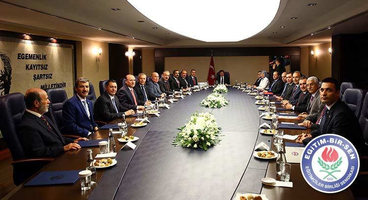 Memur-Sen Heyeti Başbakan Davutoğlu ile Görüştü