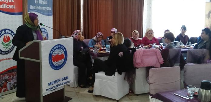 Öçal, Denizli'de kadın üyelerle buluştu